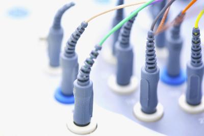 如何保护医疗设备的包覆成型连接器?
