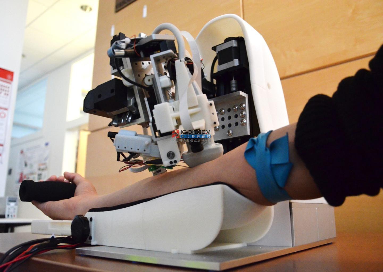 迈纳士:世界首台全自动智能采血机器人历时5年研发,完善血液检查自动化流程闭环