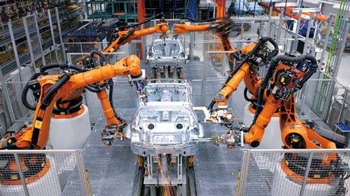 国内工业ji器人单yue产量增速创近2年内新高 进口替dai望提速