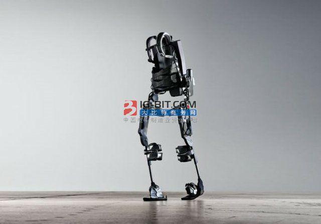 中科大研发新一代步行外骨骼机器人 可蕇hiuozhong地形