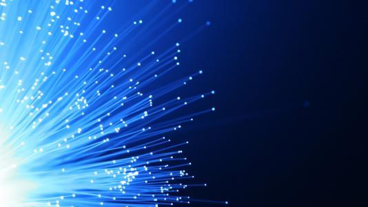 "CRU上調中國光纖光纜市場需求 新基建加速光通信""回暖"""