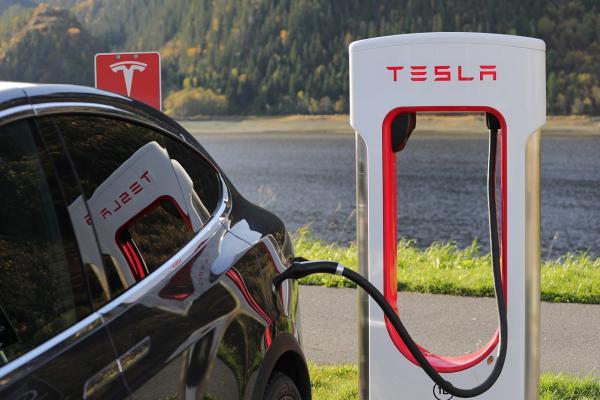 新能源汽車充電接口線束防護設計