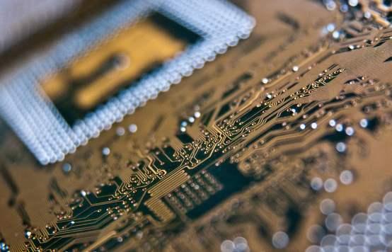 2020年中國電源管理芯片行業存在問題及發展前景分析