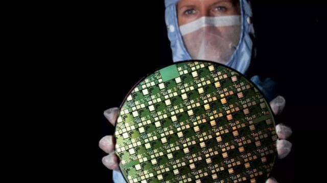 Intel将芯片制造外包,代表着美国科技的退步