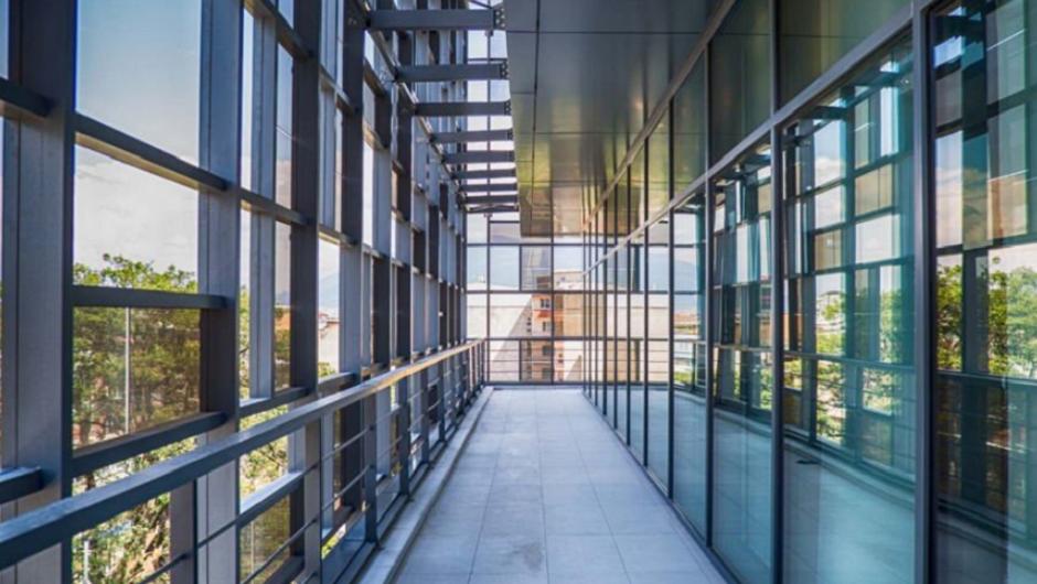 隆基股份与南玻A签订57亿元光伏玻璃采购协议