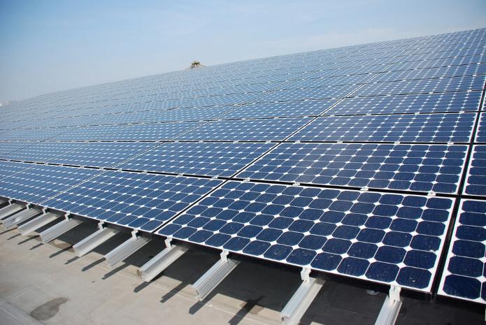 新疆首个供电所屋顶分布式光伏建成