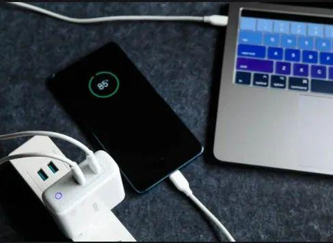 满足电源端多C口的充电需求|RICHTEK RT7880 及RT7738 的自动功率调节之适配器方案