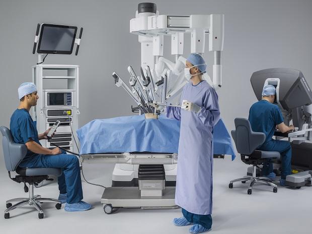 """第四代达芬奇手术机器人在曙光医院正式""""上岗""""!"""