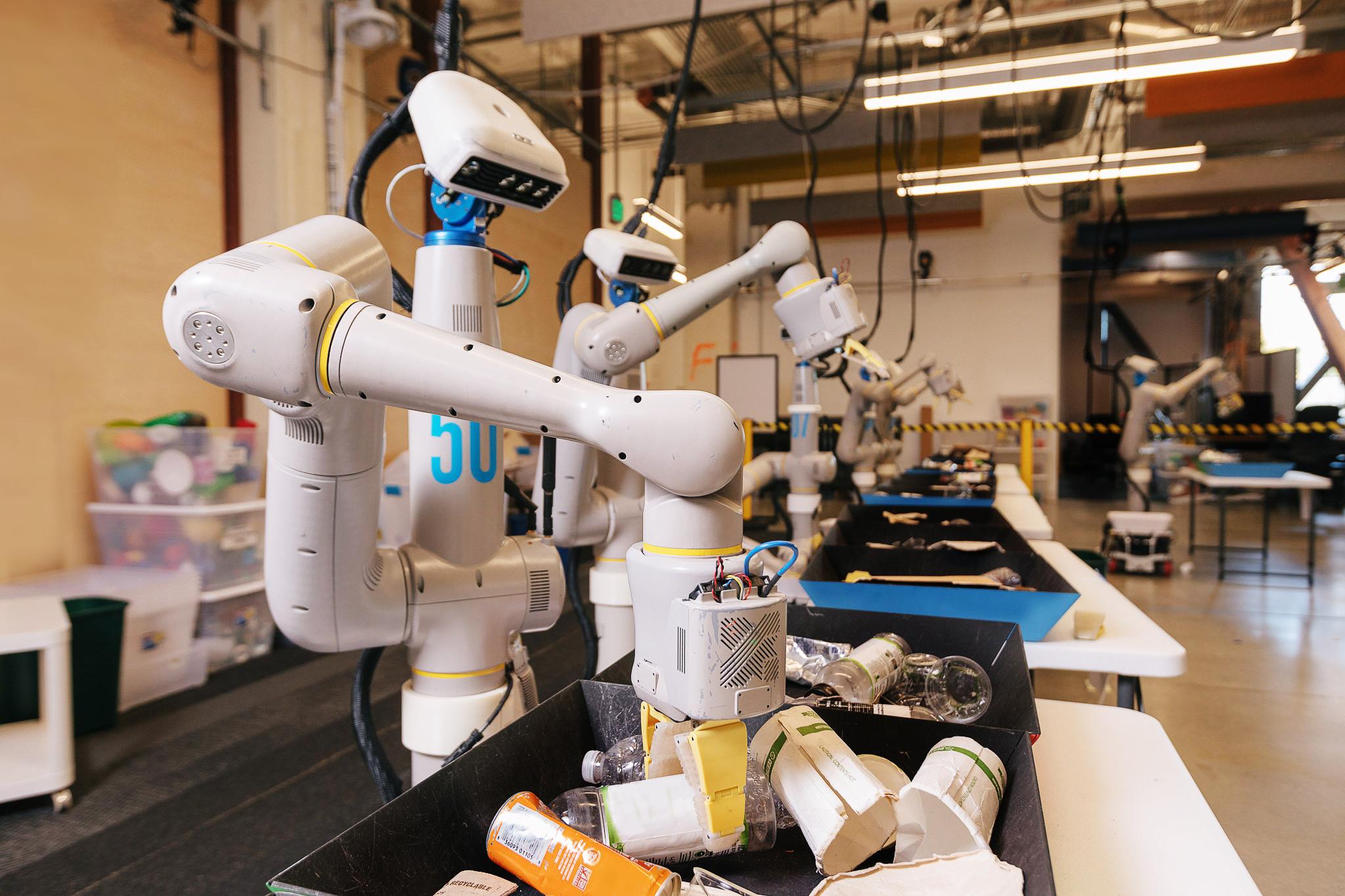 协作机器人平台化趋势将会是柔性自动化的破局之道——艾利特平台级CS系列协作机器人全