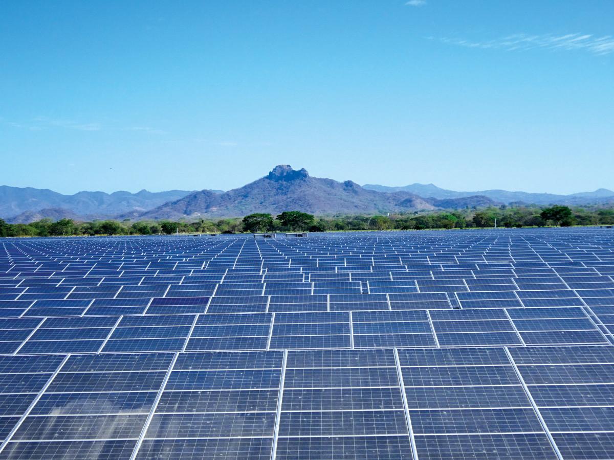 济南市民企向湘西州捐赠的72千瓦光伏电站