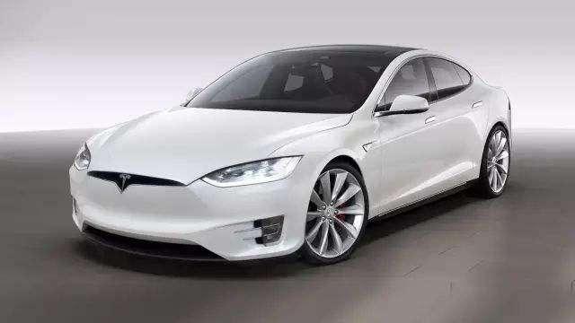 马斯克:将降低电池成本 开发2.5万美元新款电动汽车