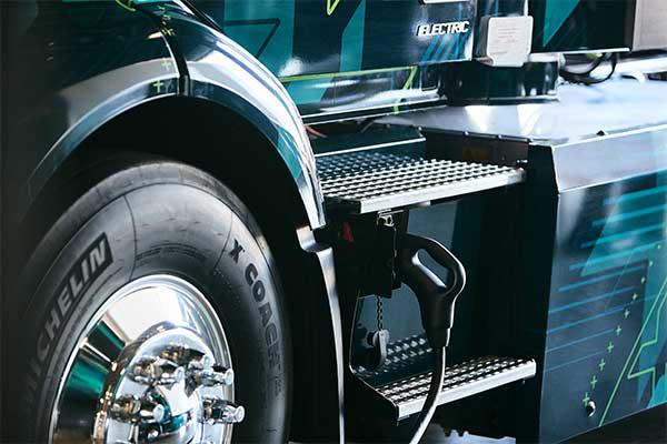 沃尔沃LIGHTS项目扩大了北美电动卡车充电选项
