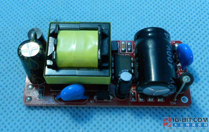 TI推出无需磁件的DC/DC电源