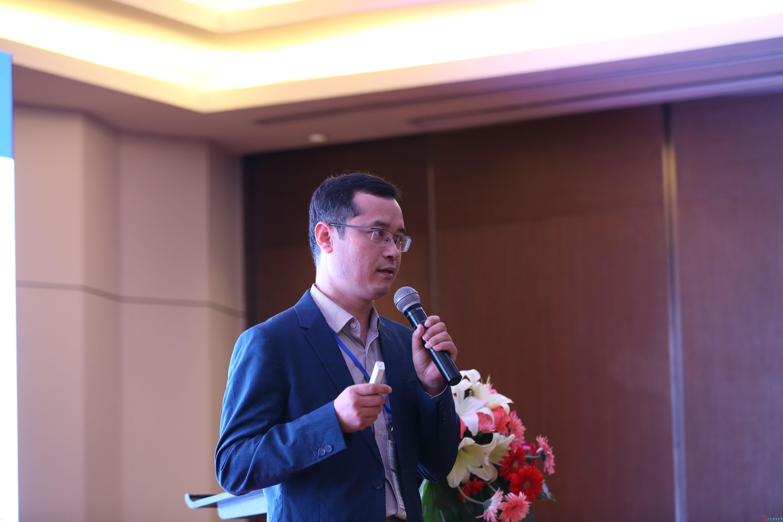 有限元科技梁贤博士:新能源汽车连接器仿真设计