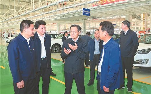 广西自治区主席调研在贵港调研指导嘉龙海杰生产