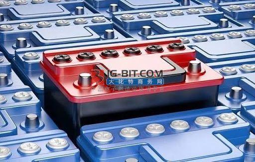 深度:高性能三元锂电池向左与高安全性铁电池向右
