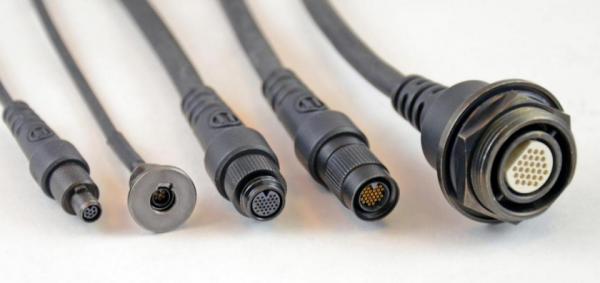 微型圆形连接器推动便携式电子产品的发展