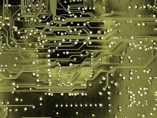 全球前十大半导体厂商上半年销售额1470亿美元 英特尔居首