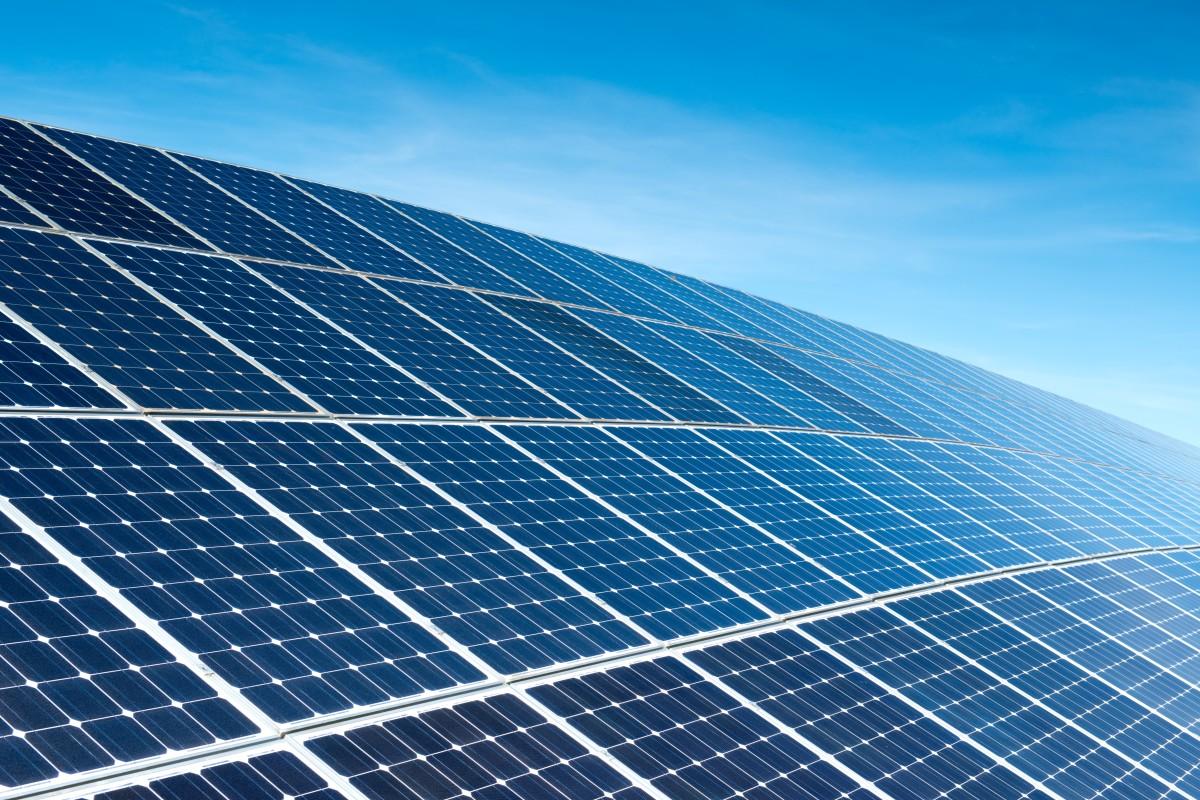 投资43.77亿元:东方日升计划投建年产5GW高效太阳能电池组件生产项目