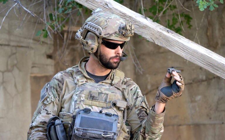 小型军用无人机需要尺寸小,重量轻的连接器