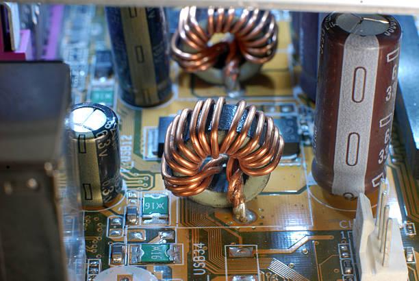 Bourns推出全新双扼流滤波电感器,兼具电流补偿能力