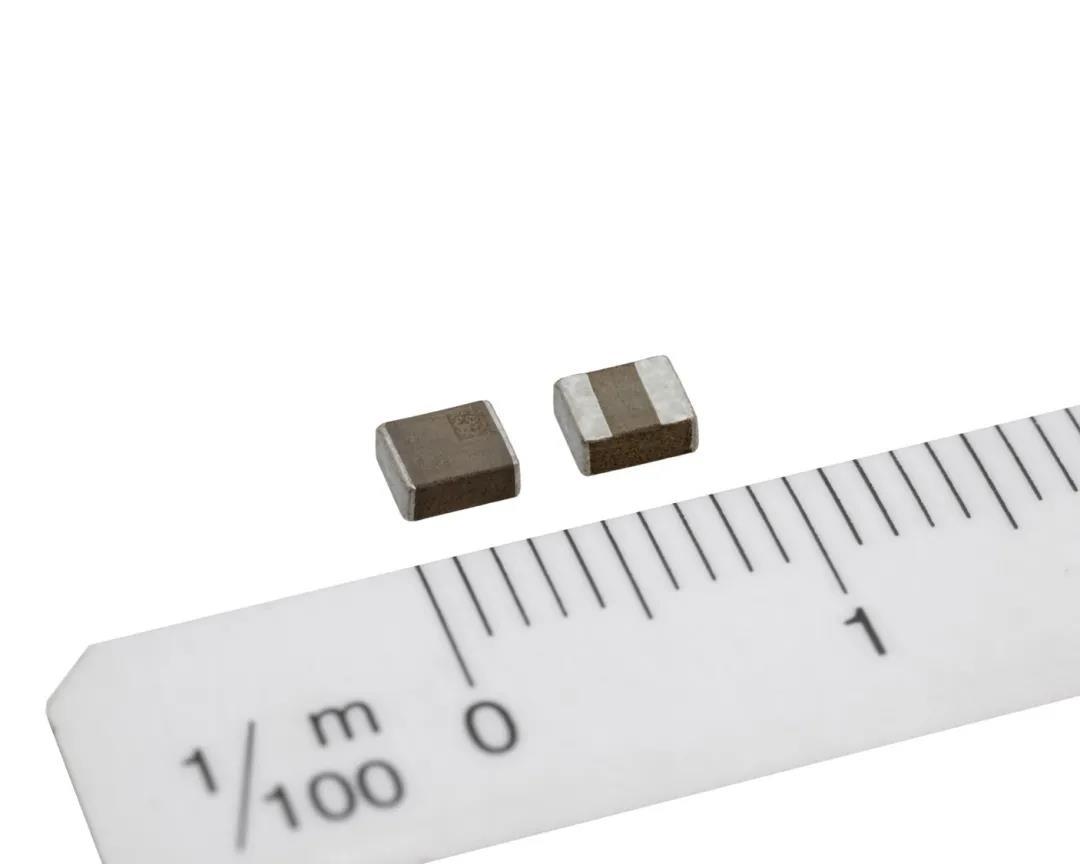 新品速递:TDK开发出小型化高性能汽车功率电感器