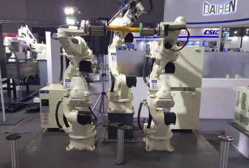 使用机器人的好处有哪些?