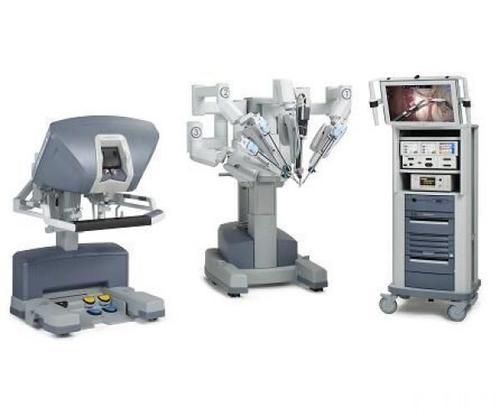 福建首台儿外科机器人手术进行 对象是一岁半小女孩