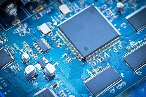 特斯拉牵手AMD靠谱吗?便宜性能又强的芯片没道理不用
