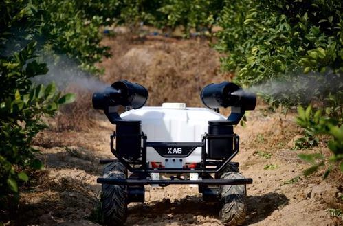 以蚯蚓为灵感 科学家研发土壤分析农业机器人