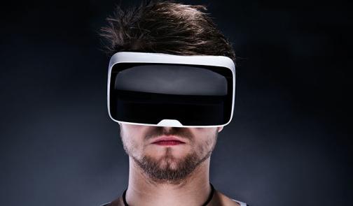 全球首款用于可穿戴和耳穿戴设备的自学习人工智能传感器