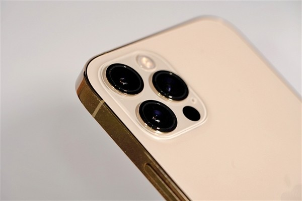 iPhone 13大曝光:老12瞬间不香了
