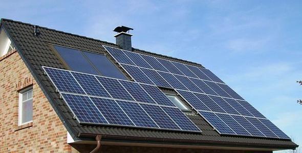 中国太阳能光伏产业已走在世界前沿 做出非常大的贡献