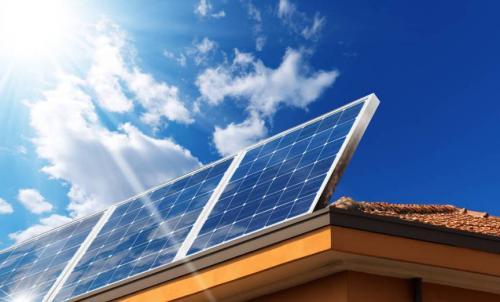 新疆准东300兆瓦光伏发电项目顺利并网发电
