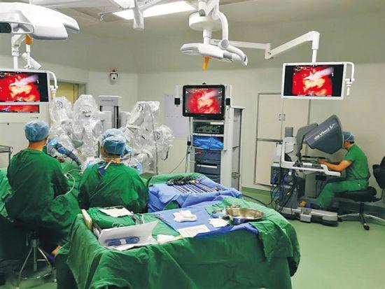 厉害!重庆大学附属三峡医院肠道外科机器人手术突破500台