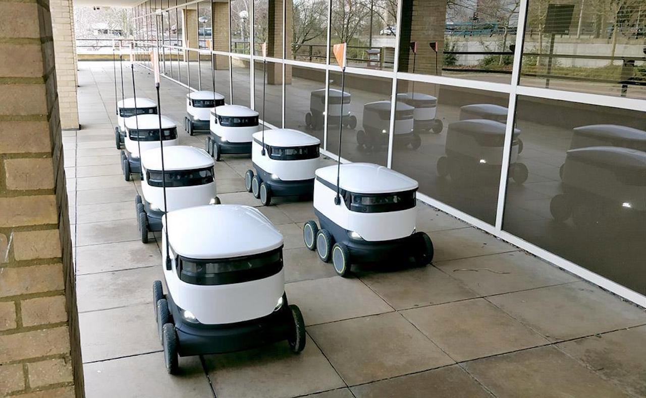 成本降到10万,效率提高2-3倍 宁波工程学院研发无人驾驶配送机器人