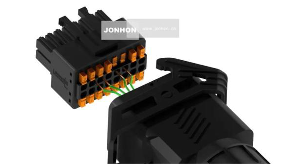 新品周递|中航光电推出光伏矩形防水连接器