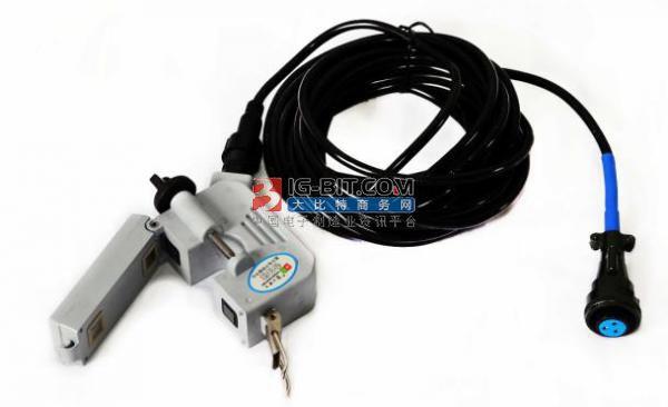 生锈对开合式电流互感器铁芯端面的影响分析