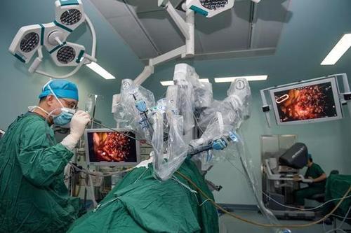 至2020年,达芬奇机器人在同济医院已累计服务3000位病人