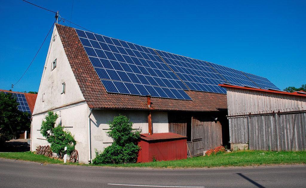 马斯克:2021年将在加拿大推出屋顶光伏产品
