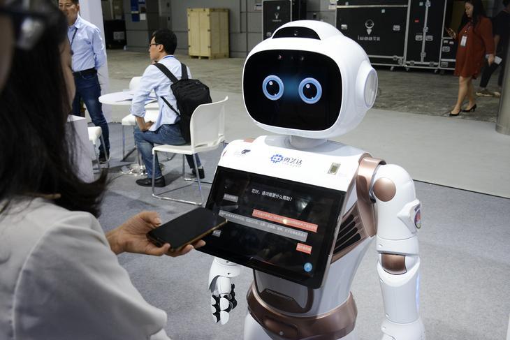 全球服务机器人销量将在2021年增长31%