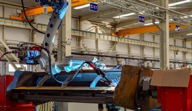 工信部:我国连续11年成为世界最大制造业国家