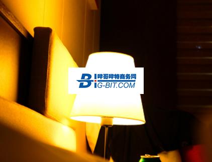 Mini LED屏首度亮相地铁站 意味着什么