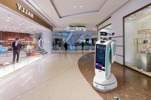 """探访两会驻地,坎德拉机器人""""超能力""""受瞩目"""