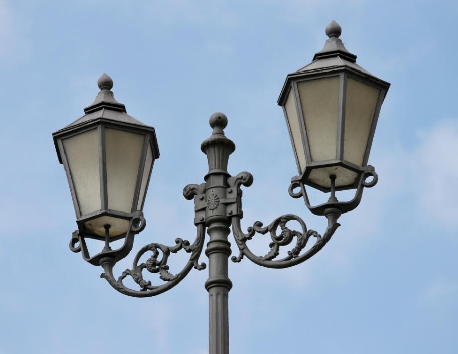 十年LED路灯厂家谈太阳能路灯怎么选