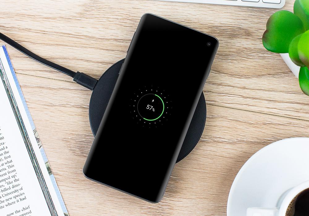 無線代替有線?在桌面上畫個圈就可以給手機充電?