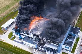 特斯拉又遇大麻烦?美政府立案调查太阳能起火缺陷