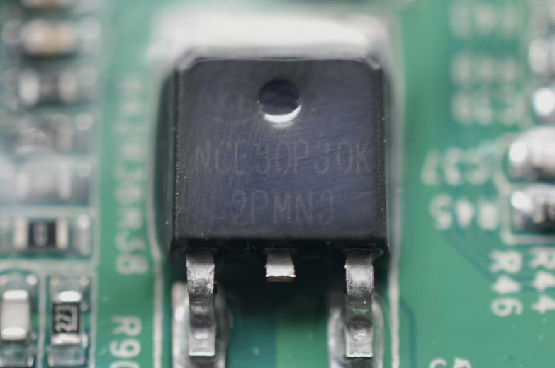 无锡新洁能(NCEPower)NCE30P30K P沟道功率器件。