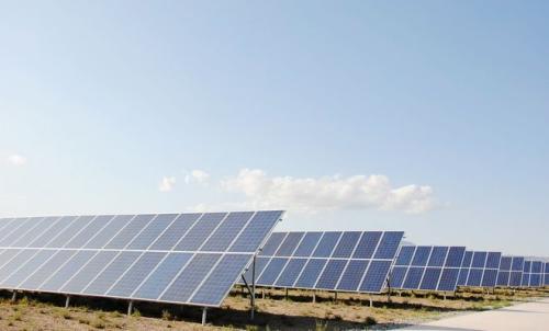 國資委:嚴控化石能源消費 積極推進光伏等清潔能源發展
