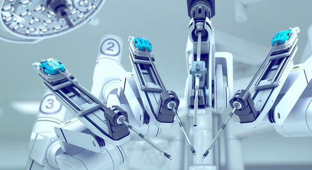 零距离直击机器人肺癌手术,医生手脚并用像开战斗机